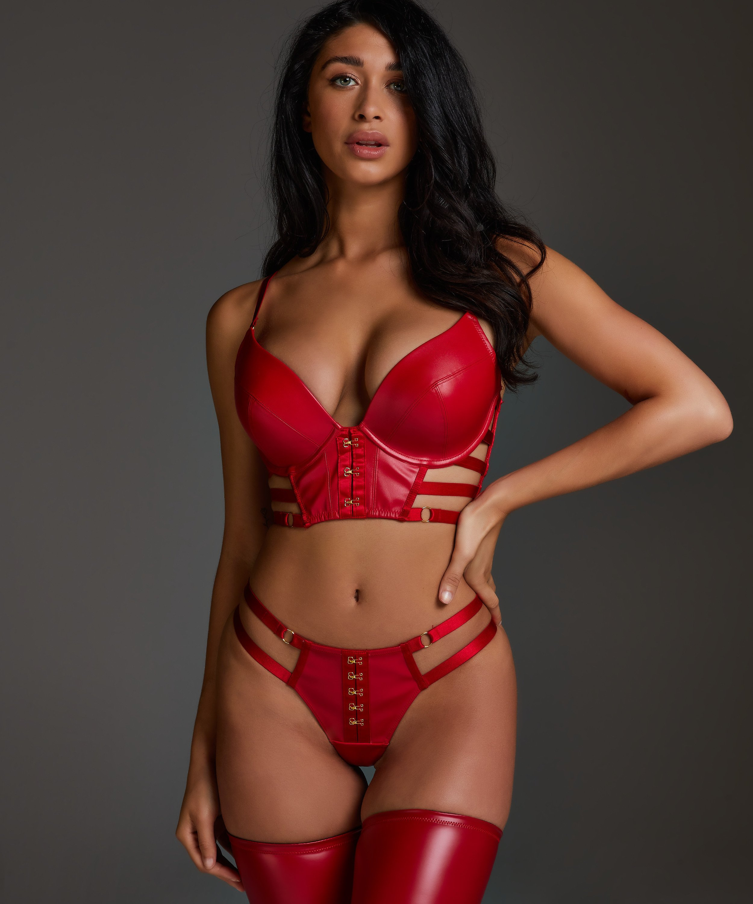 Vicky padded underwired push-up bra, Red, main