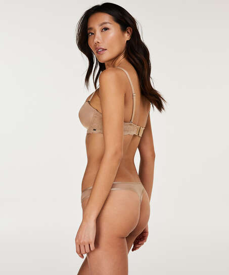 Angie Thong, Beige