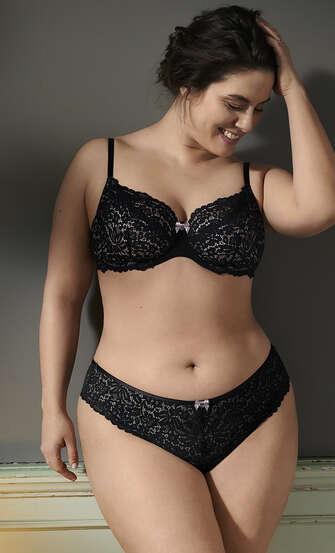 Marina Brazilian, Black