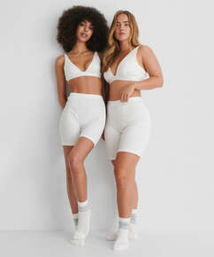 Short high waist Zia HKM x NA-KD, White