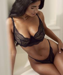 Thong Isabelle, Black