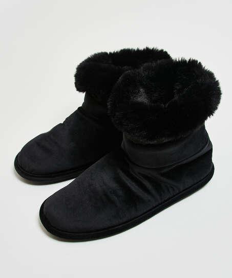 Slippers, Black